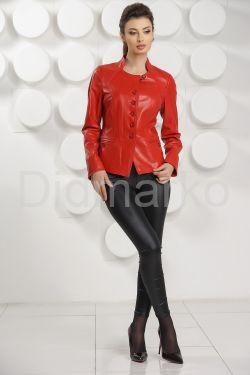 Красная кожаная курточка