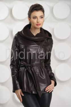 Удлиненная кожаная куртка косуха с трикотажным капюшоном