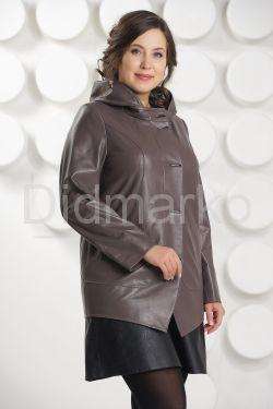 Кожаная куртка с капюшоном цвета капучино
