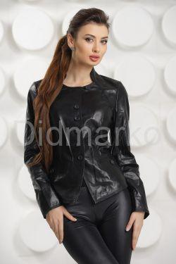 Силуэтная кожаная куртка на пуговицах