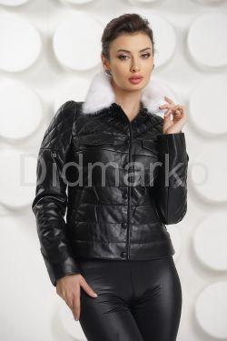 Короткая кожаная куртка с воротником из меха норки