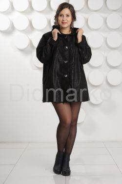 Замшевая куртка больших размеров с капюшоном