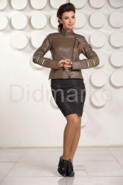 Кожаная куртка карамельного цвета