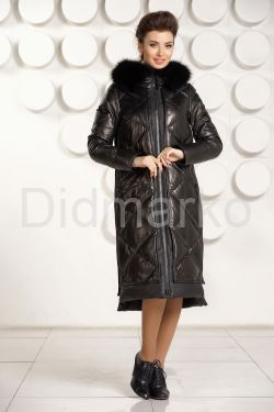Стильный кожаный пуховик черного цвета с капюшоном