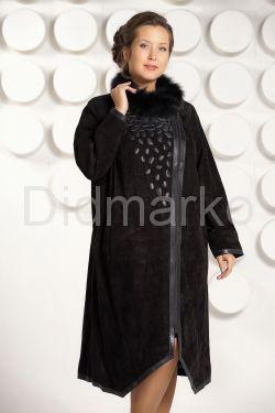 Длинное пальто из замши