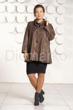 Кожаная куртка больших размеров с оригинальным воротом