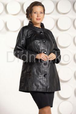 Классическая кожаная куртка с вышивкой
