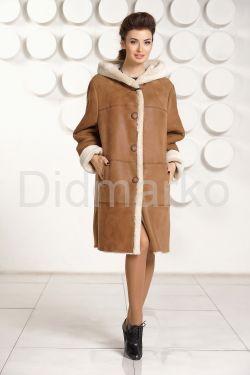 Классическая женская дубленка с капюшоном