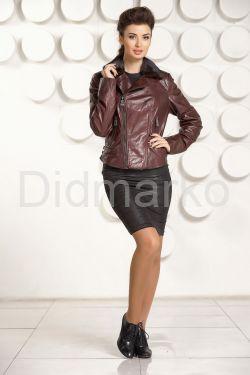 Укороченная приталенная кожаная куртка шоколадного цвета
