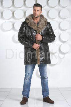 Удлиненный кожаный пуховик
