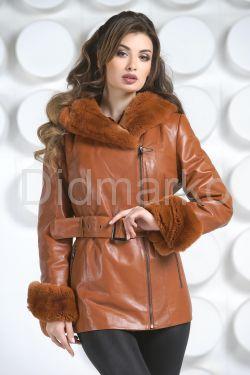 Удлиненная куртка рыжего цвета