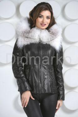 Стильная куртка с белым мехом