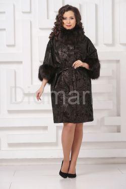 Красивое пальто из замши с  укороченными рукавами