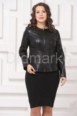 Силуэтная кожаная куртка черного цвета