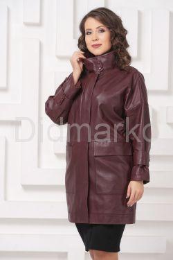 Женский кожаный плащ бордового цвета