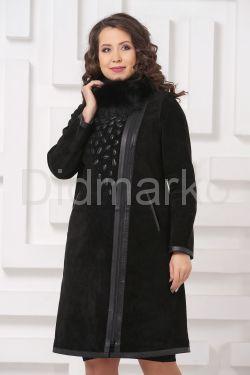 Необычное пальто из замши