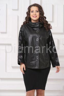 Комбинированная весенняя кожаная куртка черного цвета
