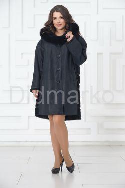 Трапециевидное пальто из овчины синего цвета