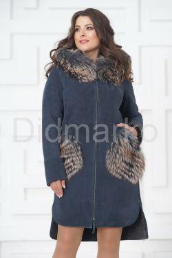 Пальто из меха овчины с отделкой из чернобурки
