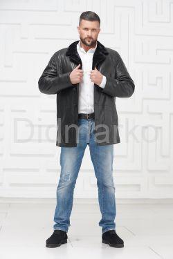 Мужская кожаная куртка на меху черного цвета