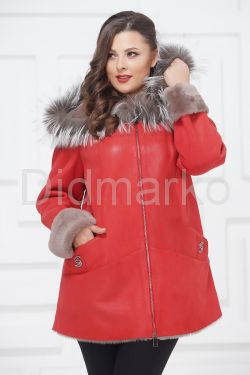 Удлиненная куртка из овчины с чернобуркой