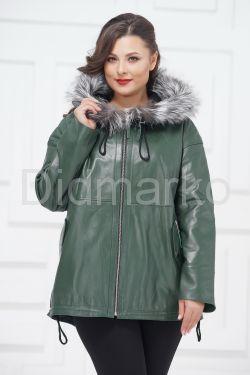 Кожаная куртка зеленого цвета с чернобуркой