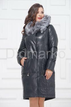 Зимнее кожаное пальто цвета берлинской лазури