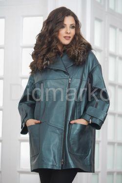 Стильное изумрудное кожаное пальто