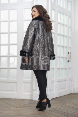 Нарядная удлиненная кожаная куртка больших размеров