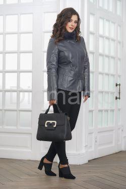 Приталенная кожаная куртка женская