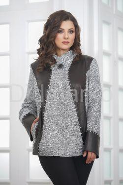 Нарядный женский пиджак из замши