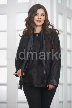 Куртка из замши со съемным шарфом