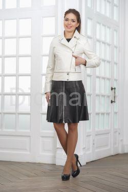 Кожаная куртка косуха жемчужного цвета