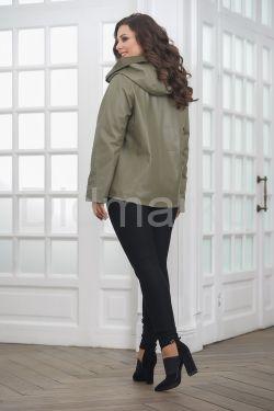 Женская кожаная куртка косуха с капюшоном