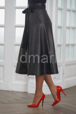 Кожаная юбка с корсетным поясом 2020