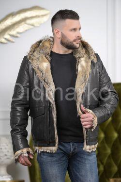 Мужская дубленка с мехом волка
