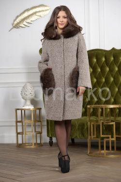Стильное пальто с меховыми карманами