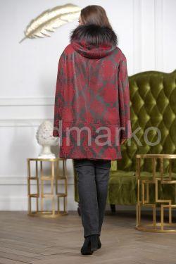 Удлиненная женская дубленка бордового цвета