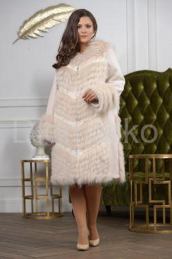 Комбинированное пальто из меха