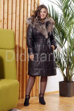 Классический кожаный пуховик черного цвета с отливом