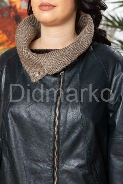 Женский кожаный плащ c трикотажной отделкой