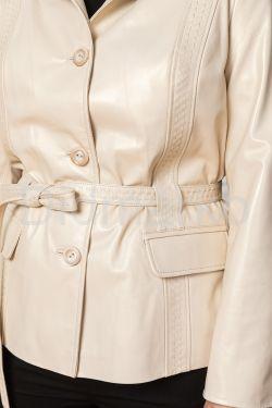 Весенний кожаный пиджак цвета слоновой кости
