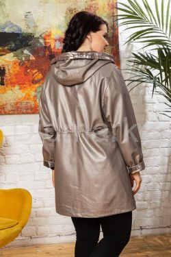 Удлиненная кожаная куртка с капюшоном