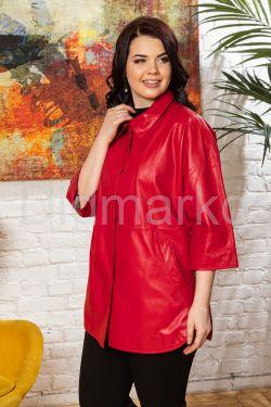 Удлиненная кожаная куртка красного цвета