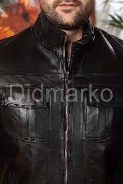 Мужская кожаная куртка черного цвета