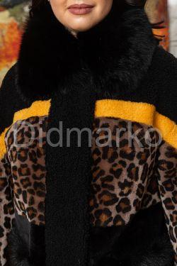 Короткая дубленка с принтом леопарда