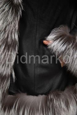 Замшевая куртка деграде с мехом чернобурки