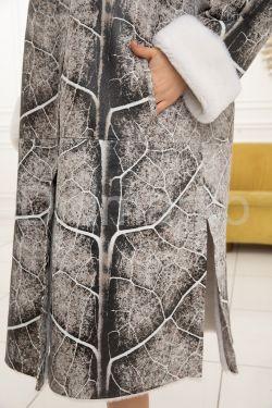 Женская дубленка с принтом под мрамор