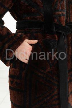 Эксклюзивное пальто из меха астраган - геометрия