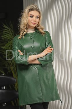 Стильный кожаный плащ в зеленом цвете